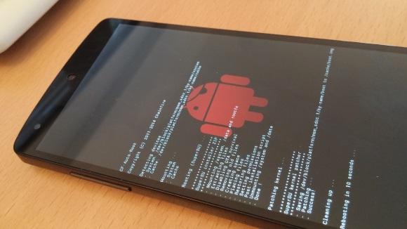 Nexus 5: CF-Auto-Root führt das Rooten des Geräts aus (Bild: ZDNet.de)